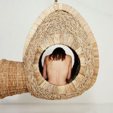 ignant_design_Suspended-Sofas-Cocoons-and-Nests-by-Porky-Hefer_003