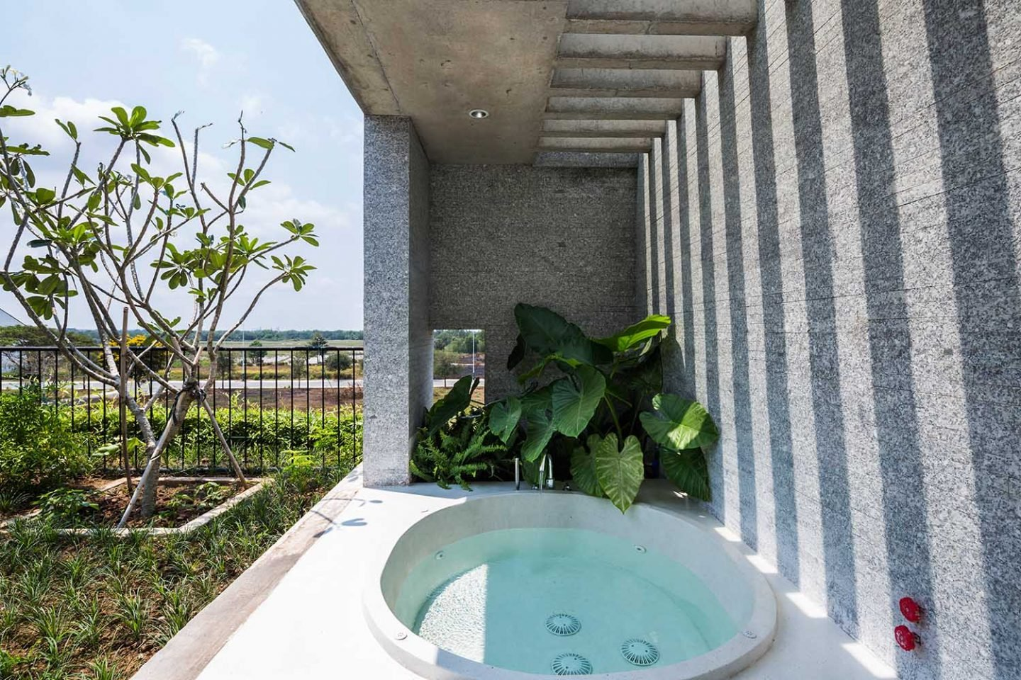 The_Binh_House_Vietnam_VTN_Architects_13