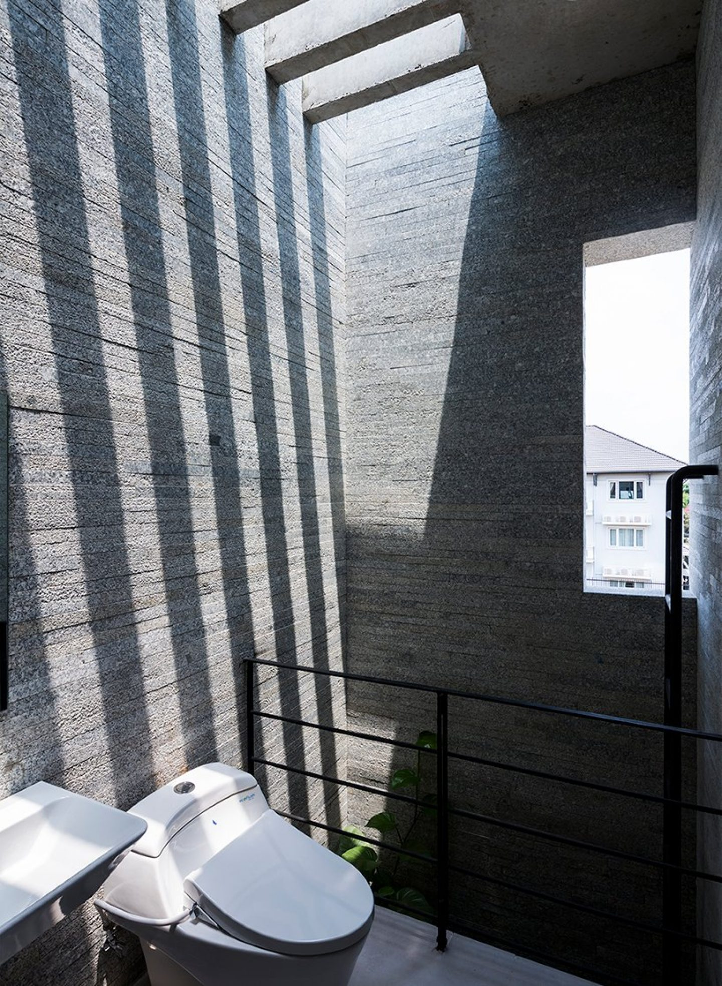 VTN-architects-binh-house-vietnam-designboom-09