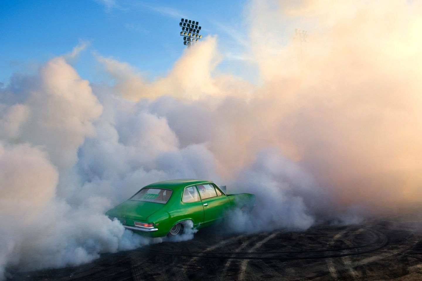 iGNANT_Photography_Burnout_Series_Simon_Davidson_10