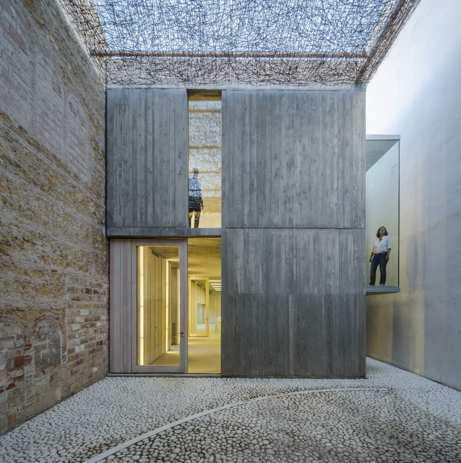 ignant_architecture_posadas-business-hub_002