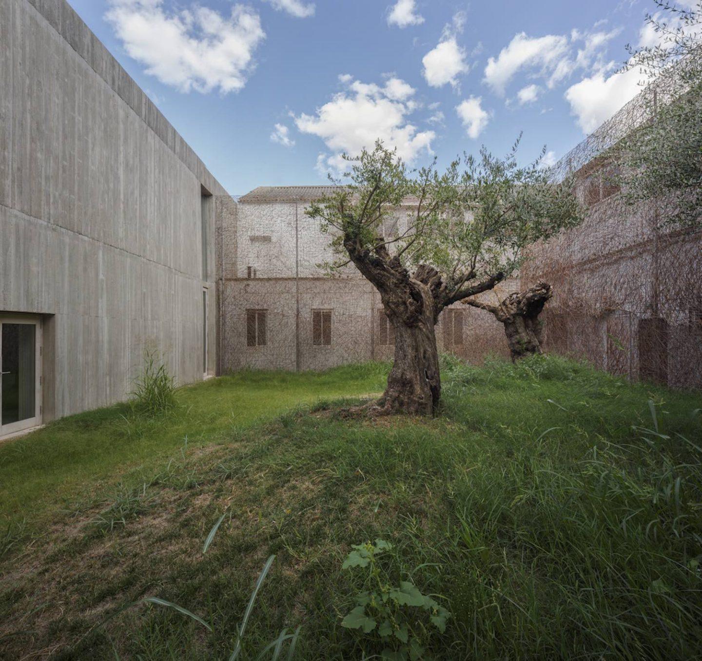 ignant_architecture_posadas-business-hub_006