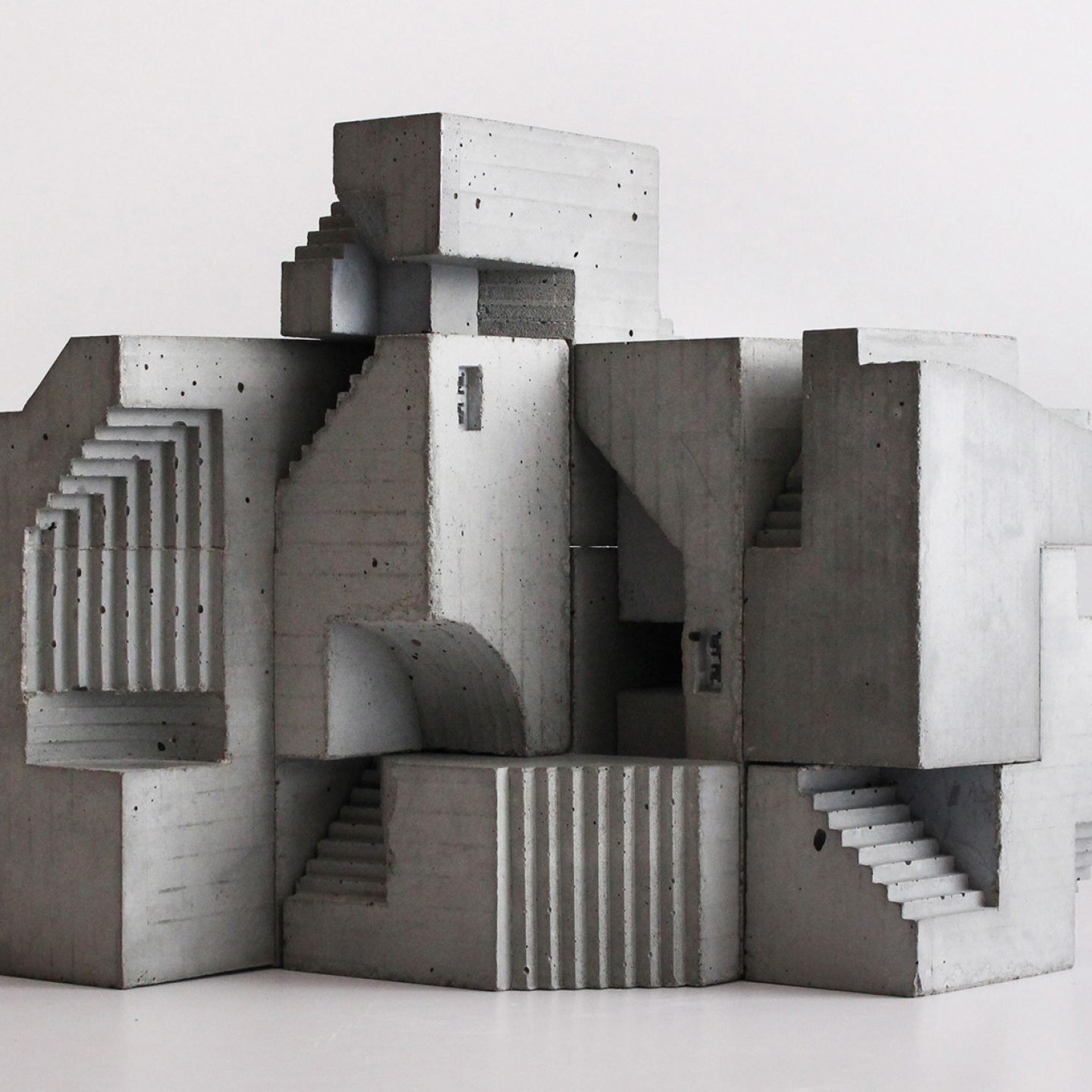Header_iGNANT_Art_Concrete_Modular_Sculptures_David_Umemoto