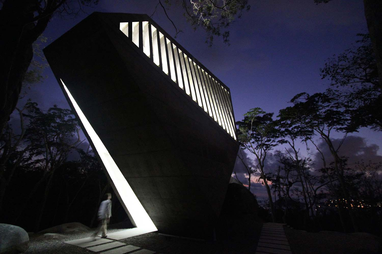 iGNANT_Architecture_Bunker_Arquitectura_Sunset_Chapel_09