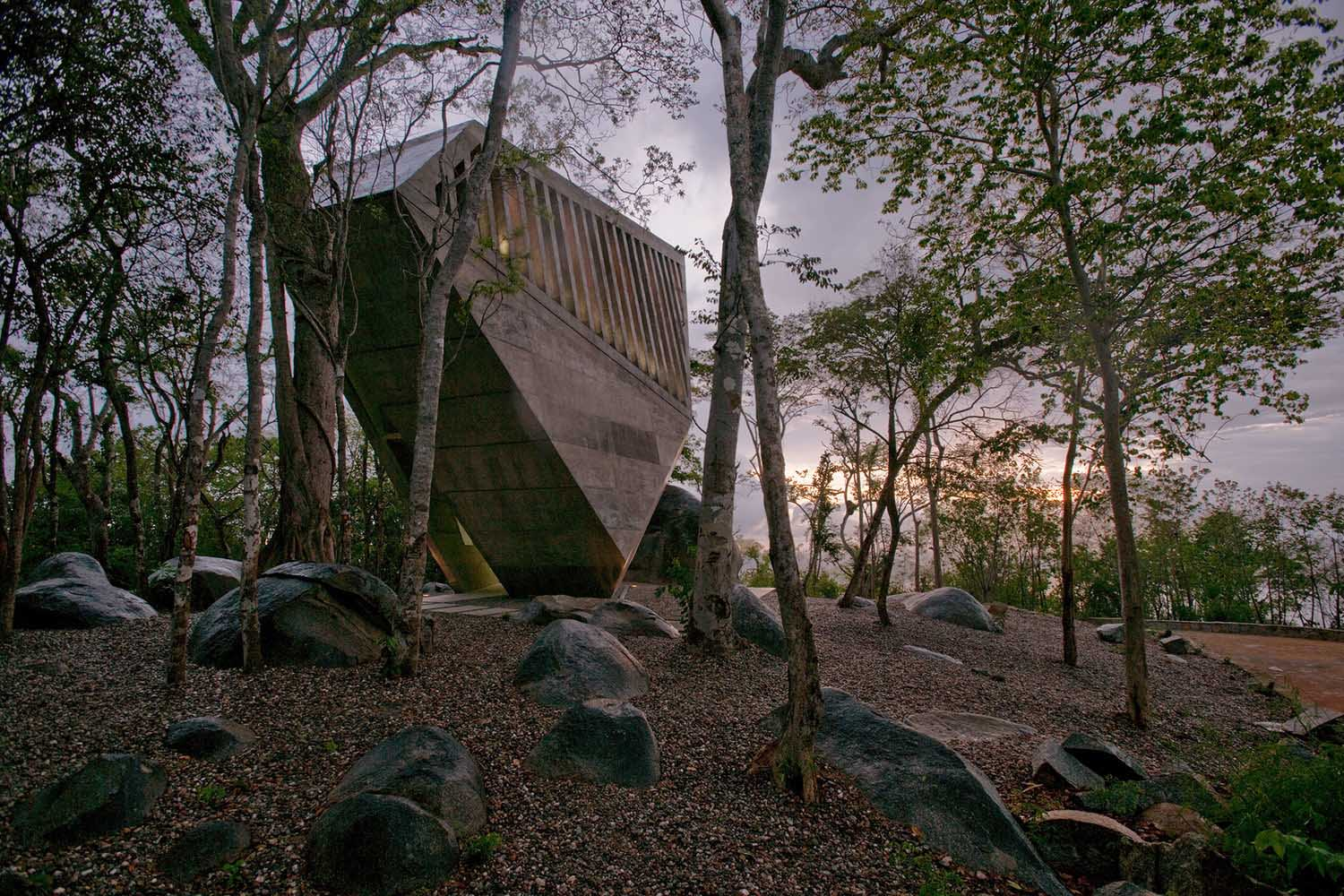 iGNANT_Architecture_Bunker_Arquitectura_Sunset_Chapel_11