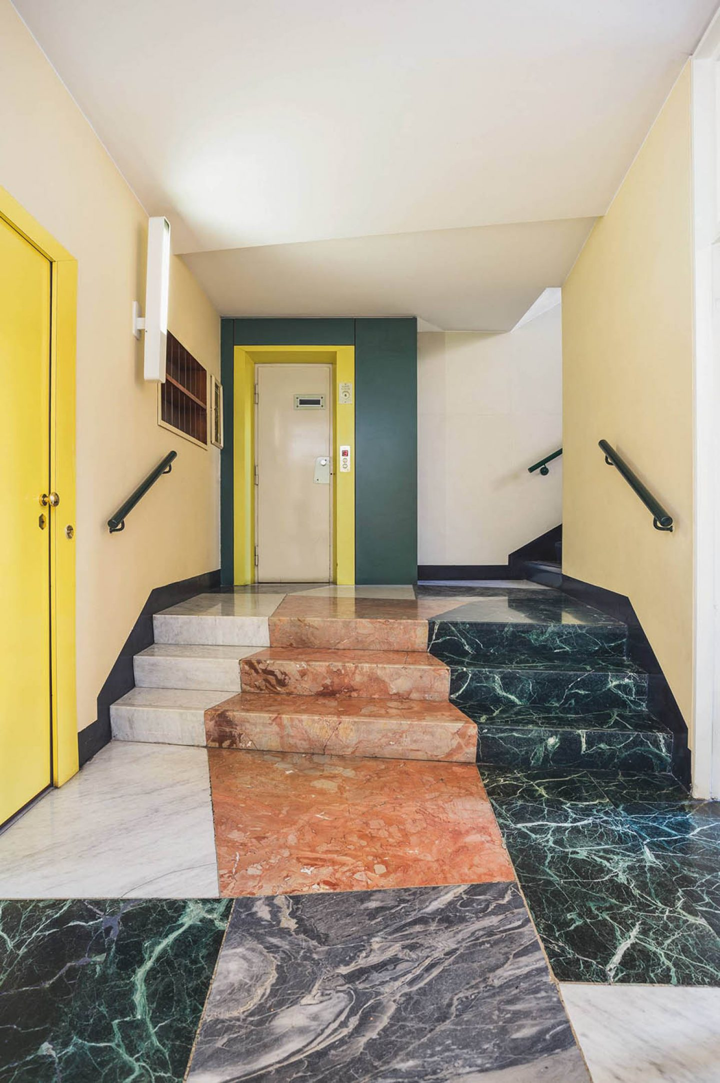 iGNANT_Architecture_Karl_Kolbitz_Taschen_Entryways_of_Milan_Ingressi_di_Milano_1