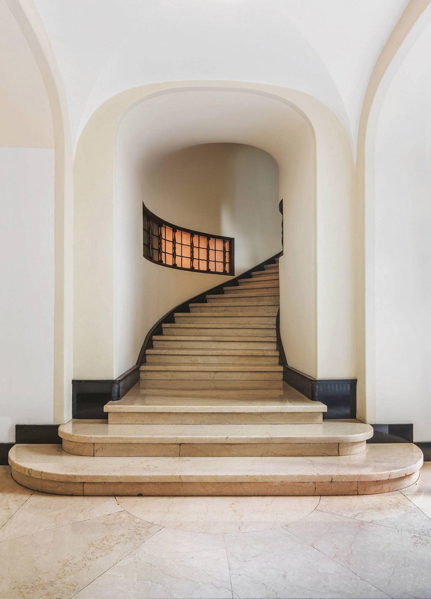 iGNANT_Architecture_Karl_Kolbitz_Taschen_Entryways_of_Milan_Ingressi_di_Milano_2