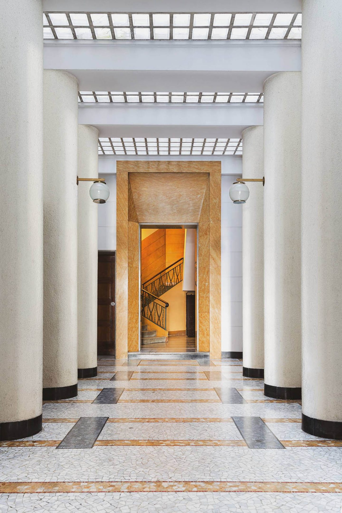 iGNANT_Architecture_Karl_Kolbitz_Taschen_Entryways_of_Milan_Ingressi_di_Milano_9