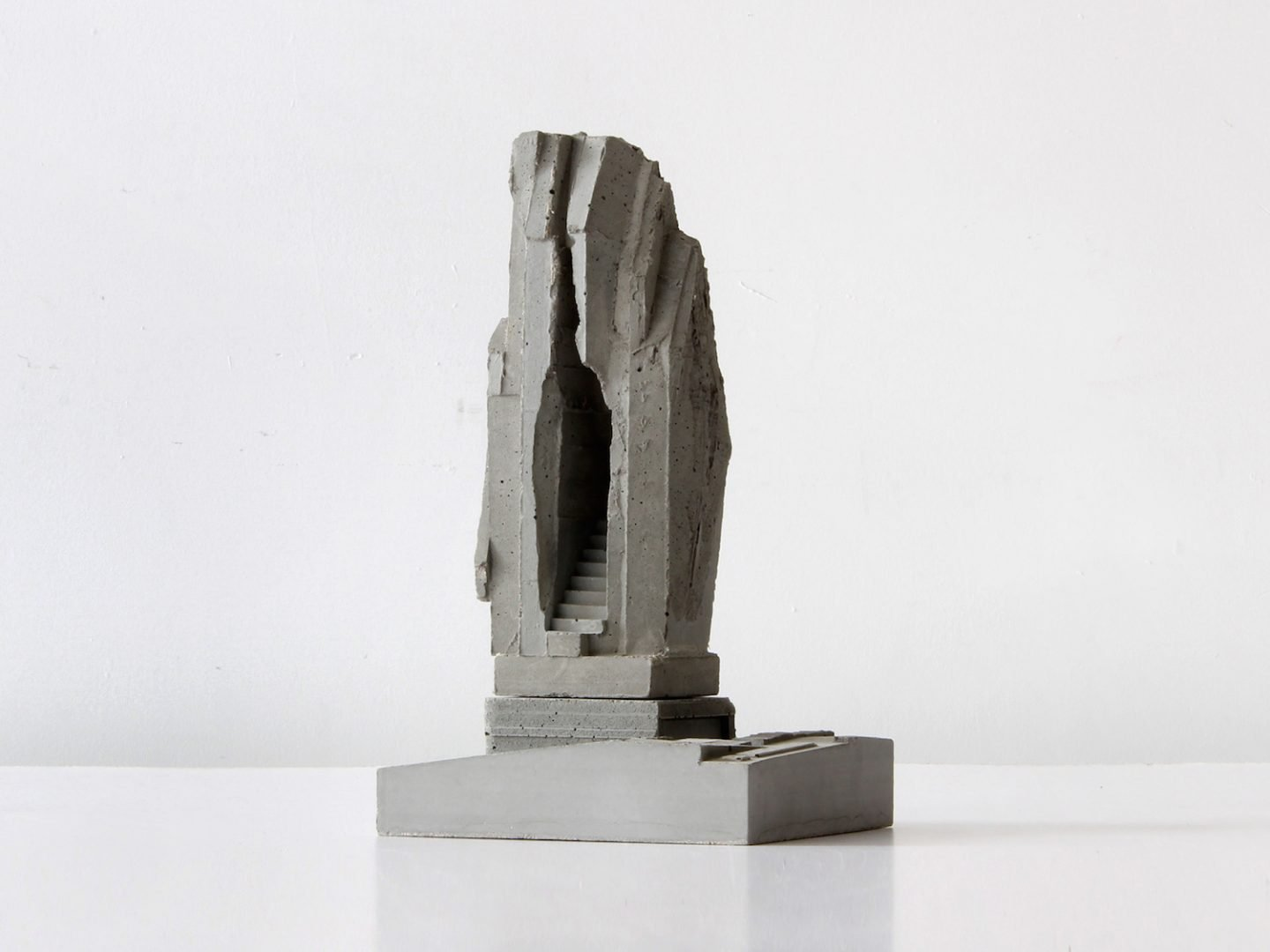 iGNANT_Art_Concrete_Modular_Sculptures_David_Umemoto10