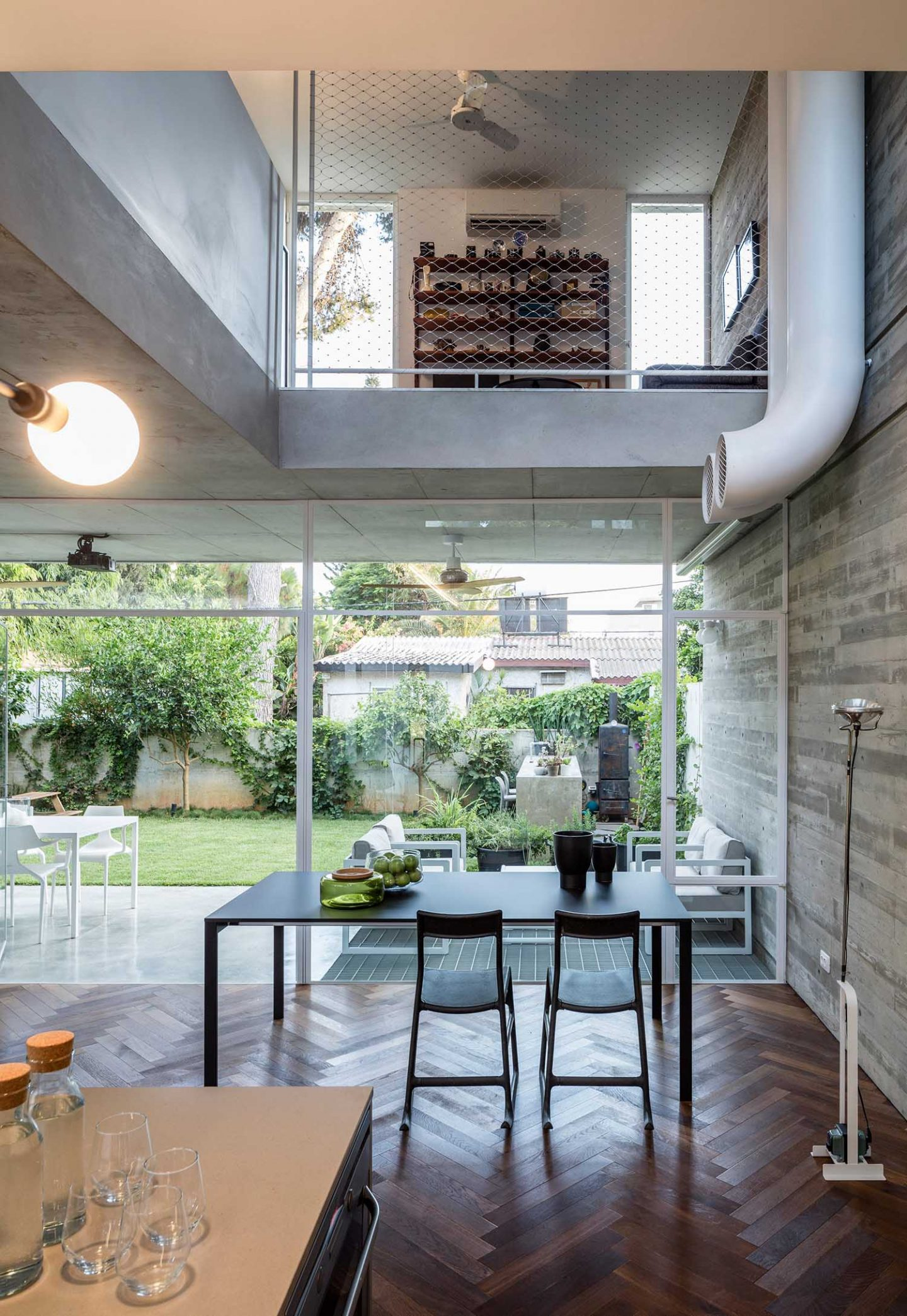 iGNANT_Architecture_3322_Studio_The_Suspended_Patio_House_5