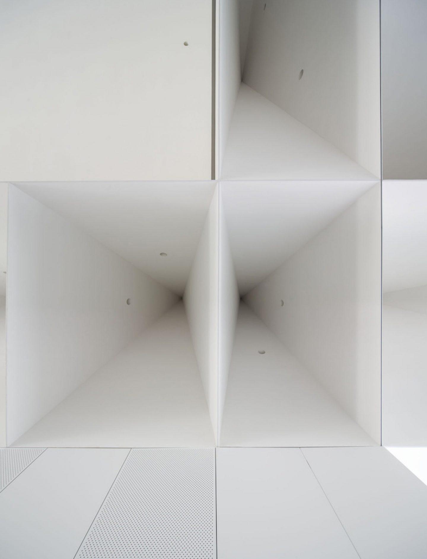 iGNANT_Architecture_Aires_Mateus_Monolithic_Meeting_Center_07