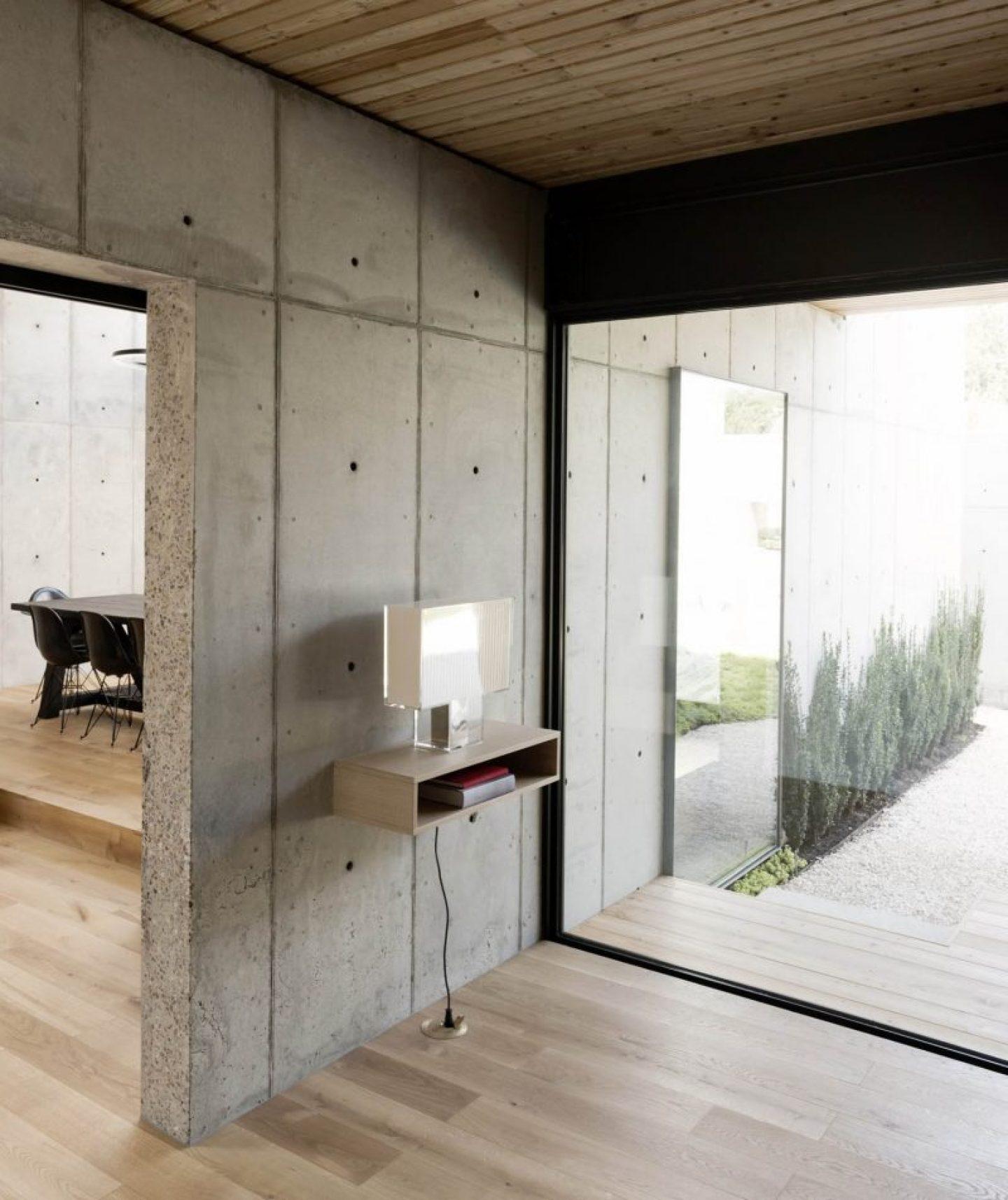 iGNANT_Architecture_Robertson_Design_Concrete_Box_House_14