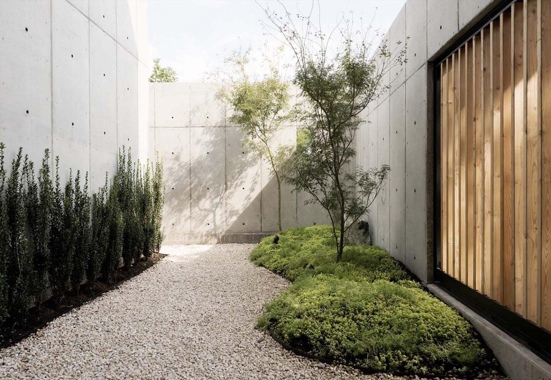 iGNANT_Architecture_Robertson_Design_Concrete_Box_House_4