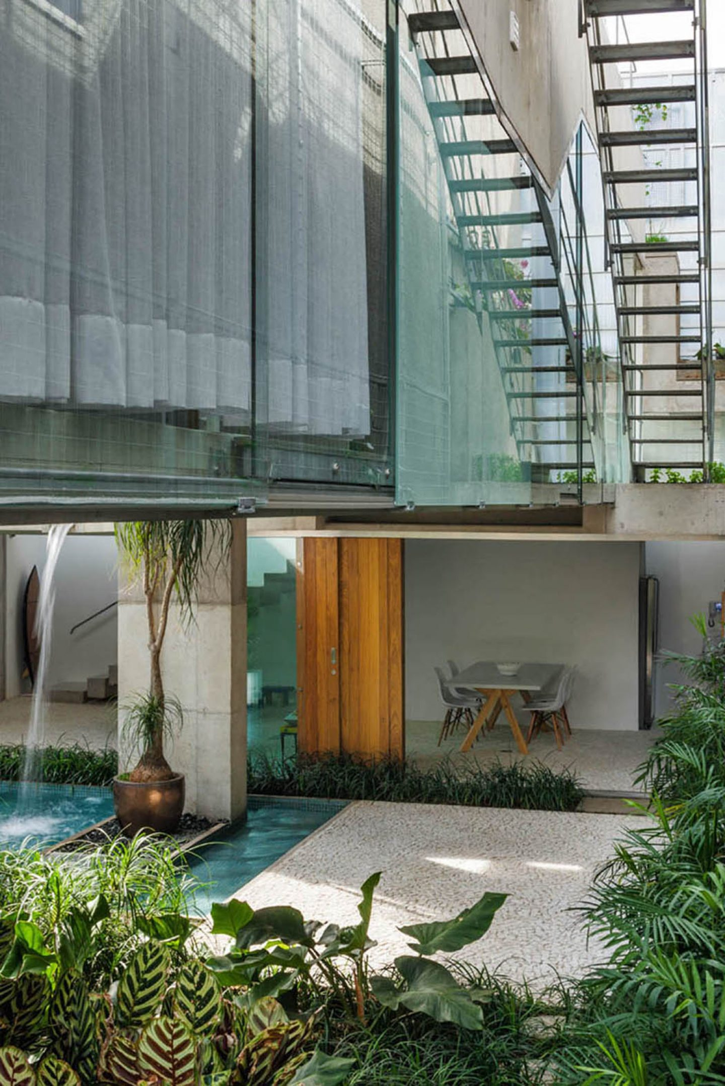 iGNANT_Architecture_SPBR_Architects_Weekend_House_In_Sao_Paulo_13