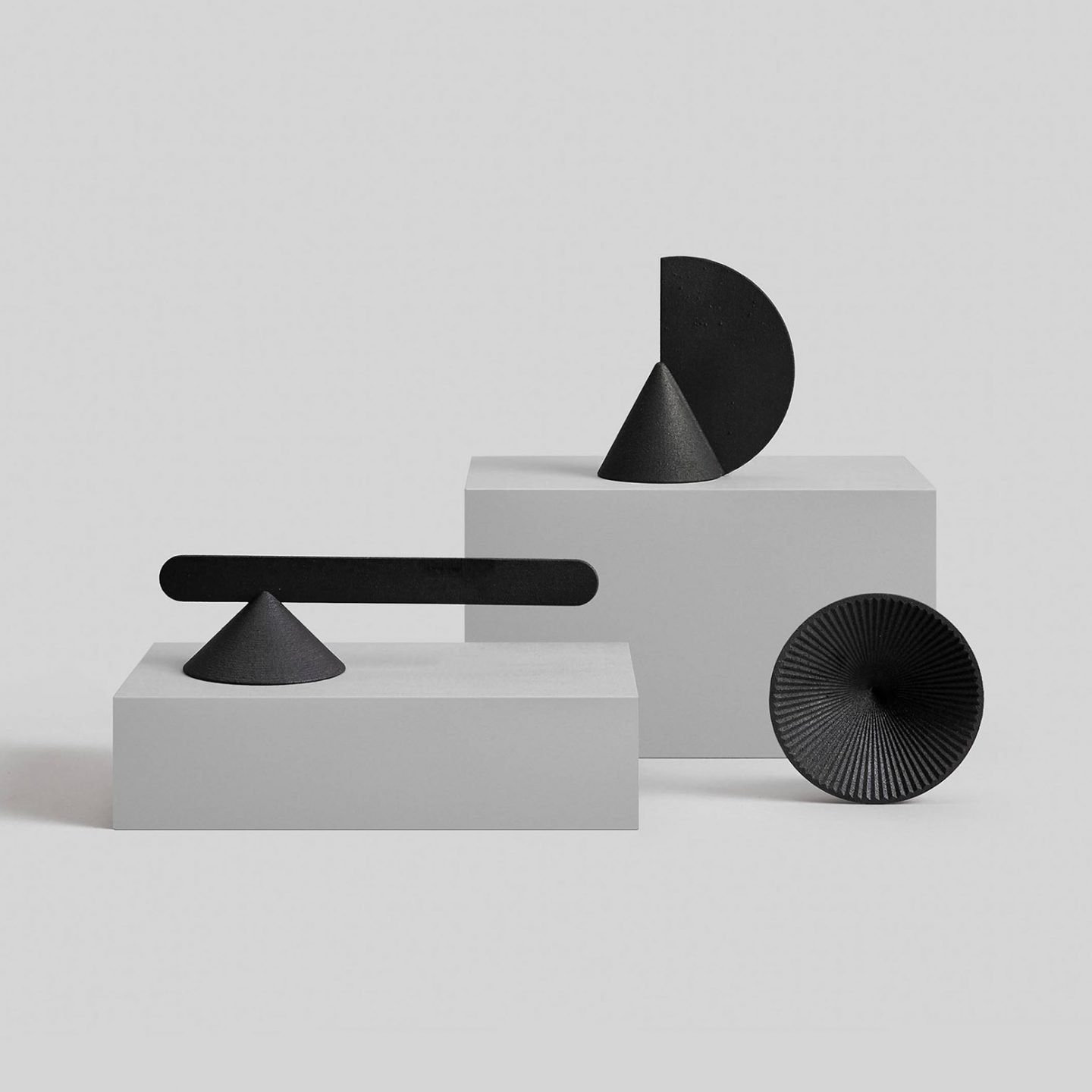 iGNANT_Design_Geometric_Candle_Snuffers_OTHR_h