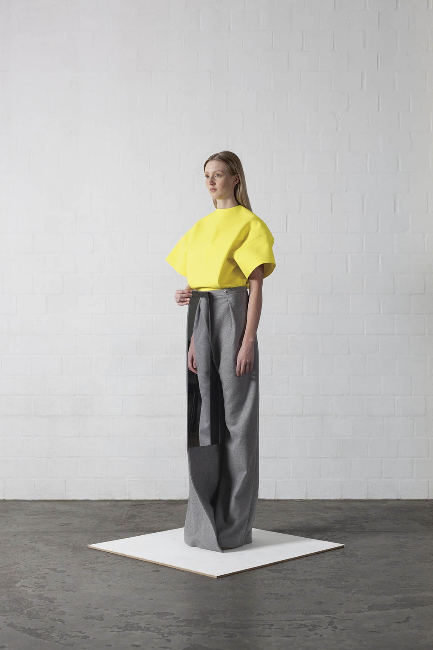 iGNANT_Fashion_Leonie_Barth_Ich_Ist_Ein_Anderer_24
