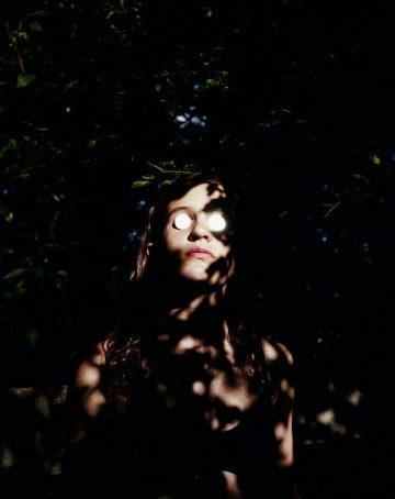 iGNANT_Photography_Julie_Renee_Jones_Umbra_5