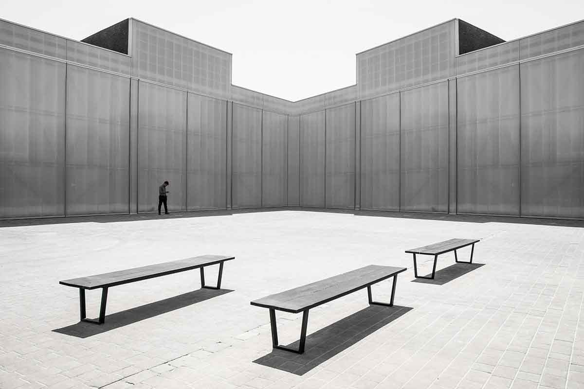 iGNANT_Photography_Troubling_Symmetry_Gustav_Willeit_3