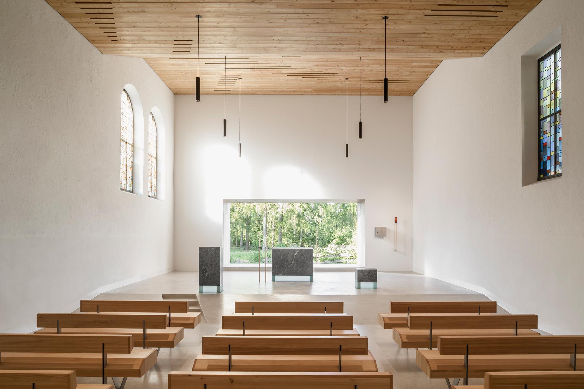 2017-09-20_59c2214bea83b_LST_03_view-onto-presbytery