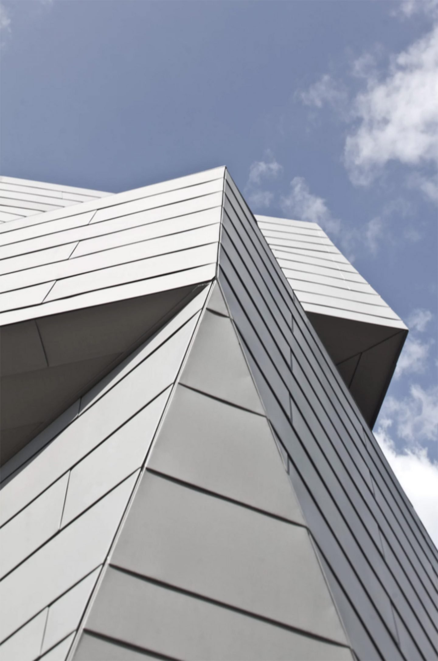 Architecture_GemmaObservatory_AnmahianWintonArchitects_09