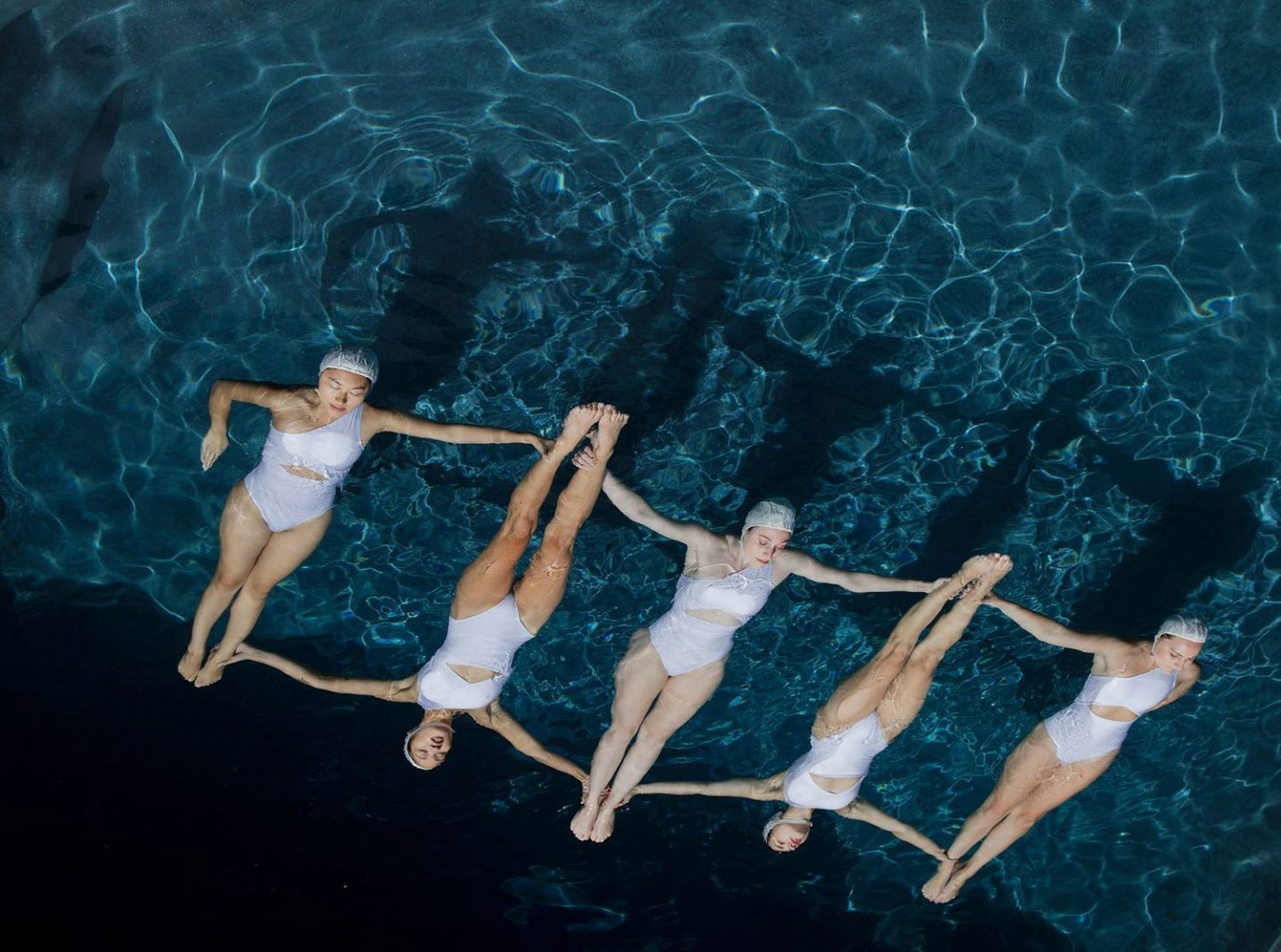 iGNANT_Photography_Emma_Hartvig_The_Swimmers_2