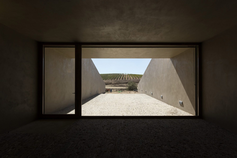 iGNANT_Architecture_Herdade_Of_Freixo_Winery_Frederico_Valsassina_Arquitectos_3