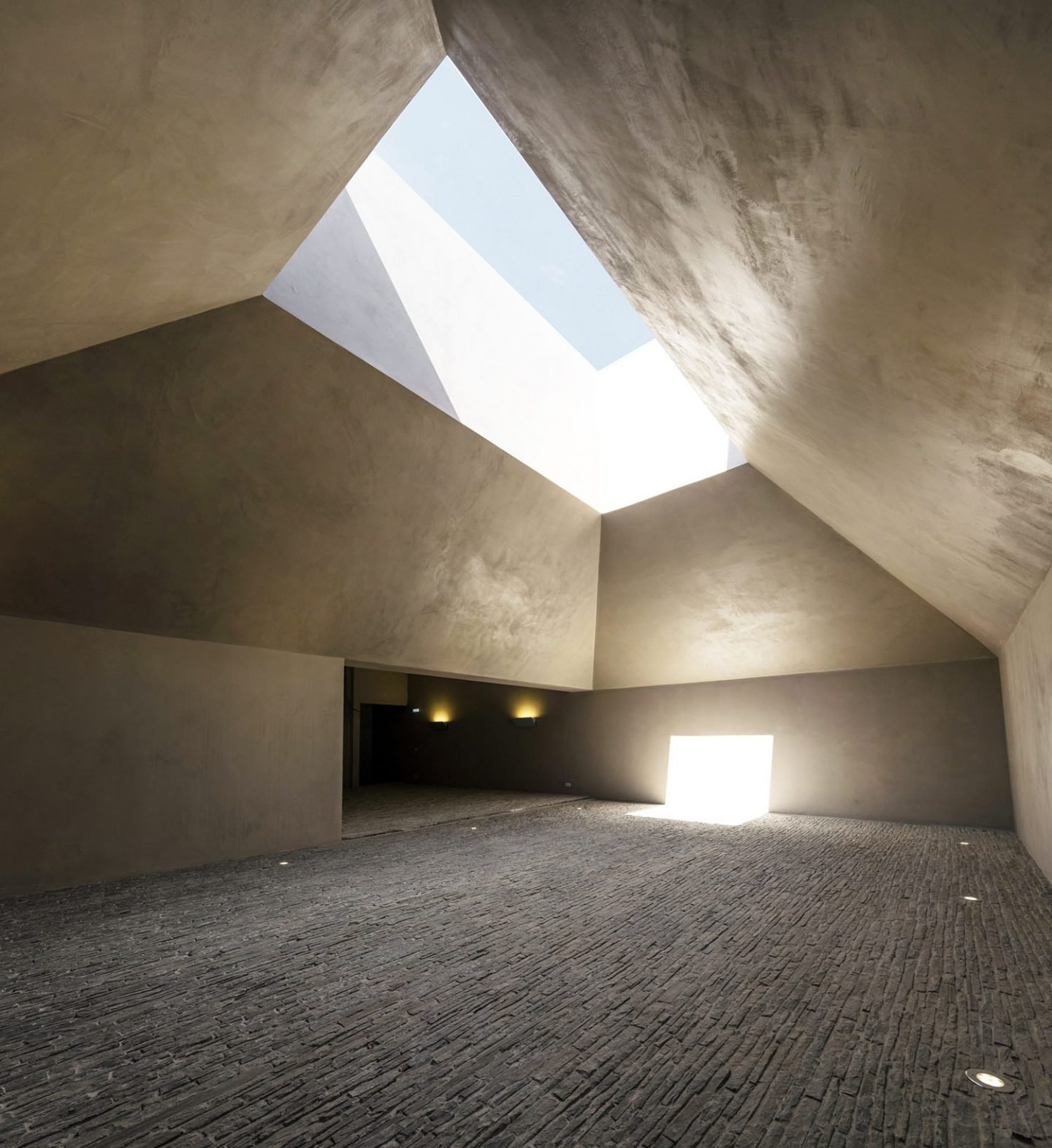 iGNANT_Architecture_Herdade_Of_Freixo_Winery_Frederico_Valsassina_Arquitectos_9