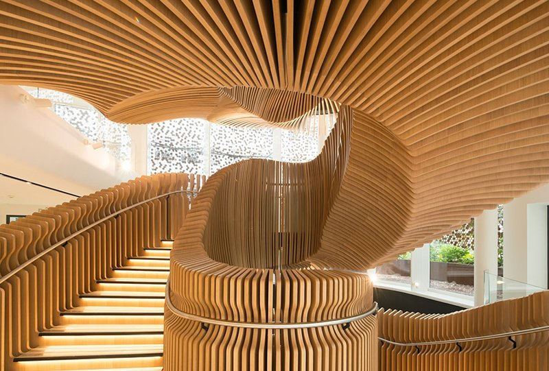 Ora Ito S Sculptural Staircase In Lvmh Office Ignant