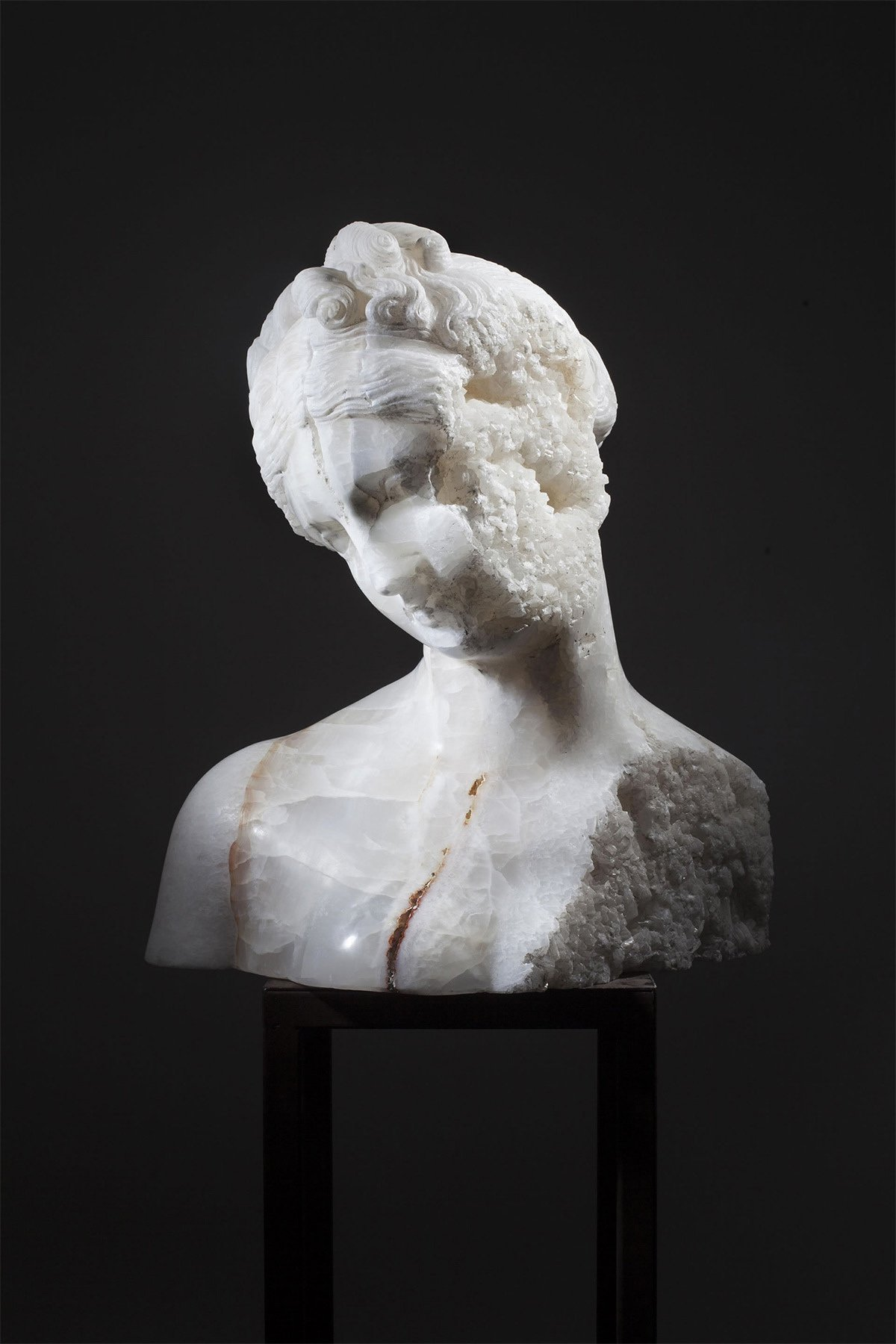 iGNANT_Art_Massimilianio_Pelletti_Ancient_Sculptures_6
