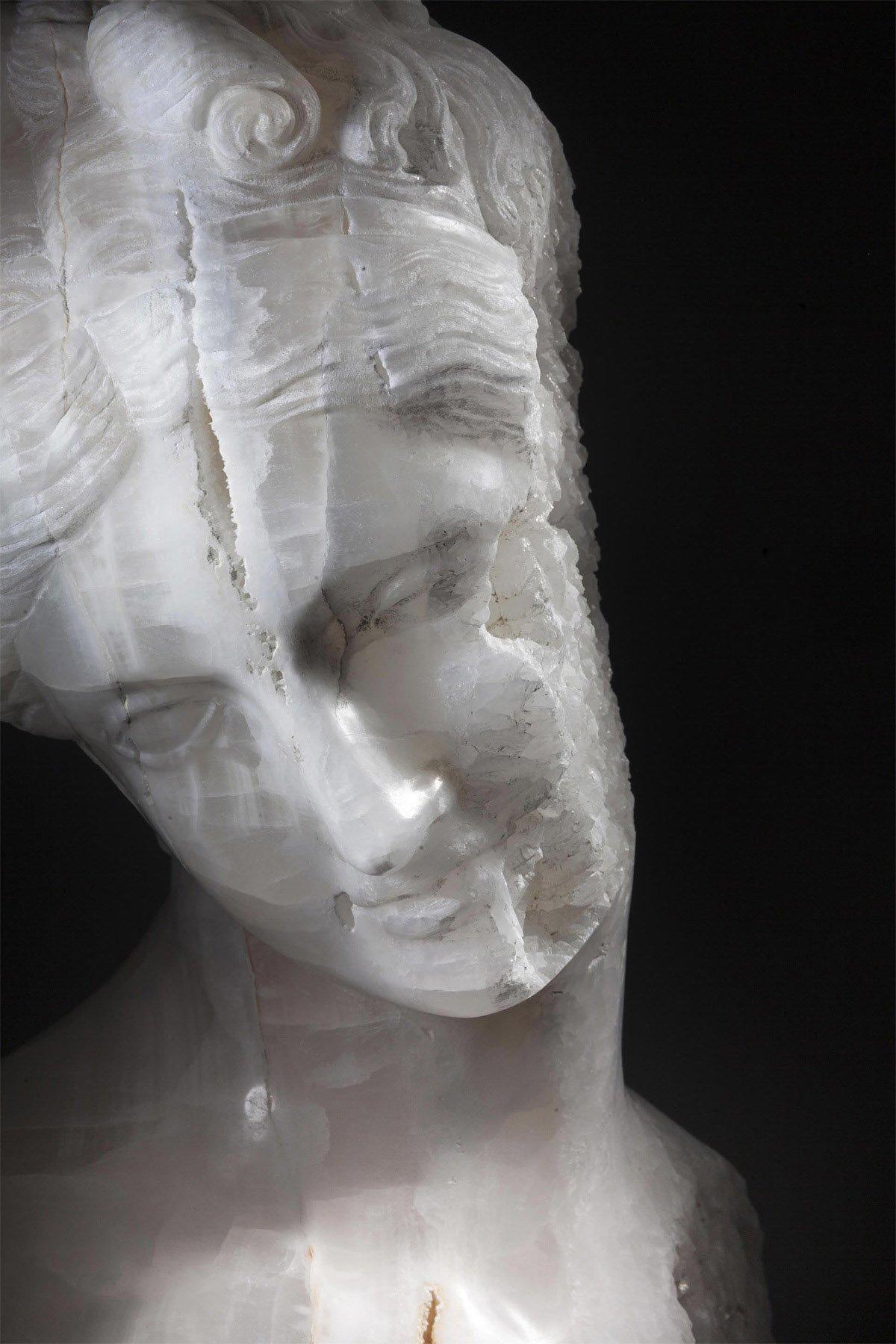 iGNANT_Art_Massimilianio_Pelletti_Ancient_Sculptures_7