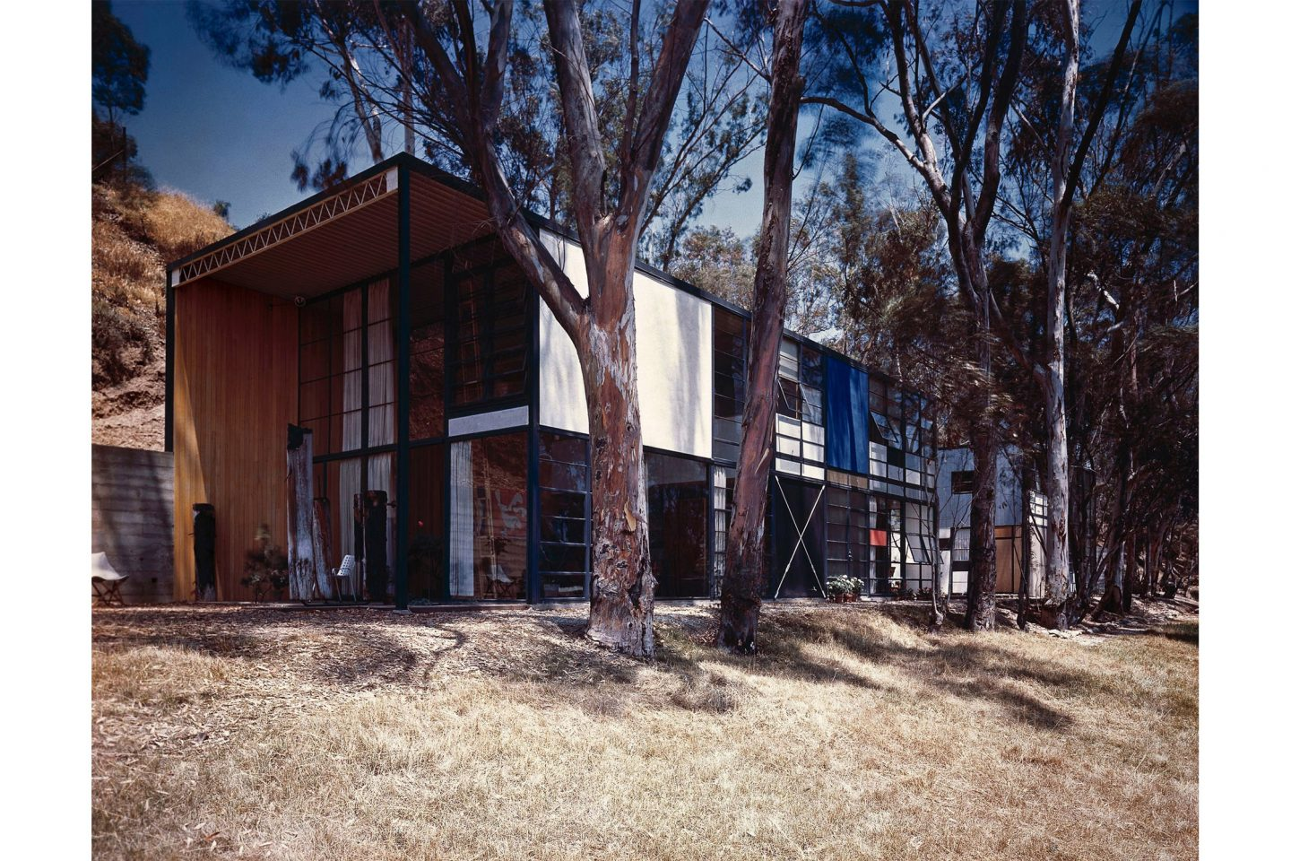 An Eames Celebration. Eames House, 1950. ∏ J. Paul Getty Trust