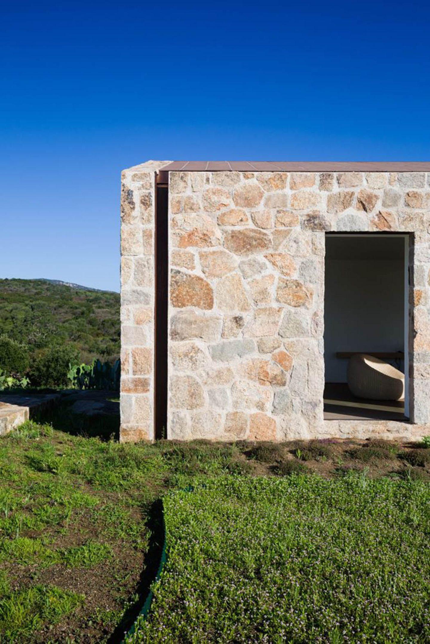 Architecture- Stazzod'AldiaHouse-AltromodoArchitetcts-06