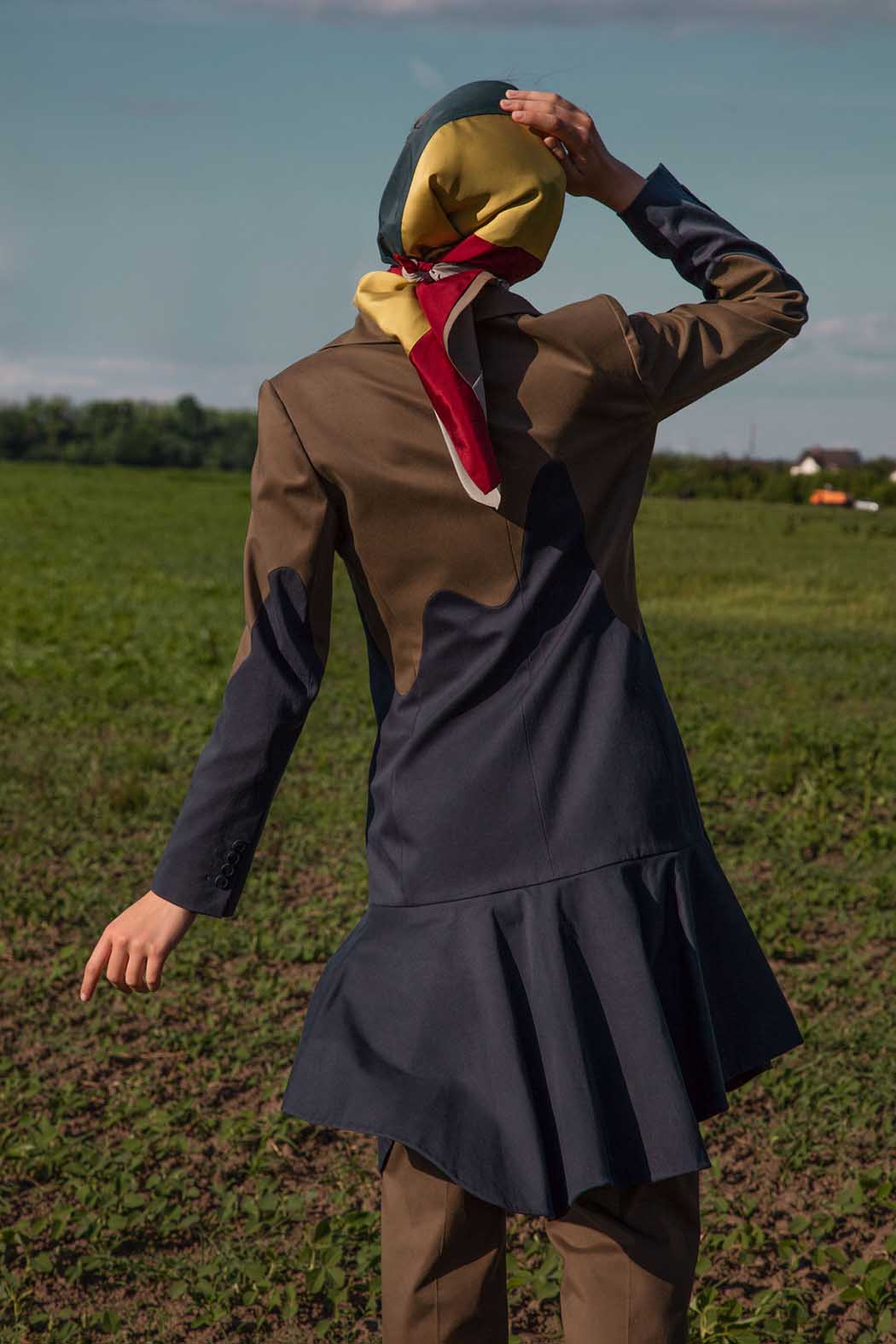 Fashion- LaraQuint-The Amish-04