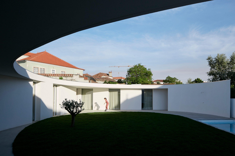 iGNANT-Architecture-Ansiao-House-Bruno-Dias-Arquitectura-12