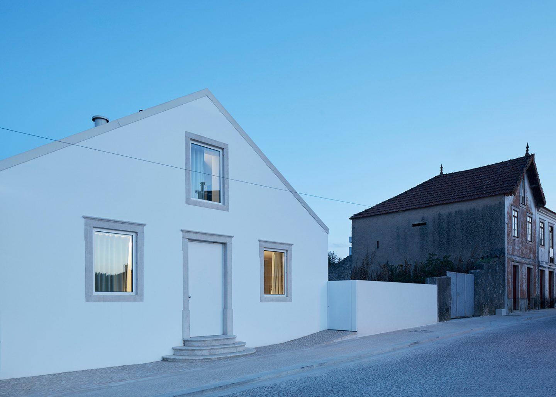 iGNANT-Architecture-Ansiao-House-Bruno-Dias-Arquitectura-19