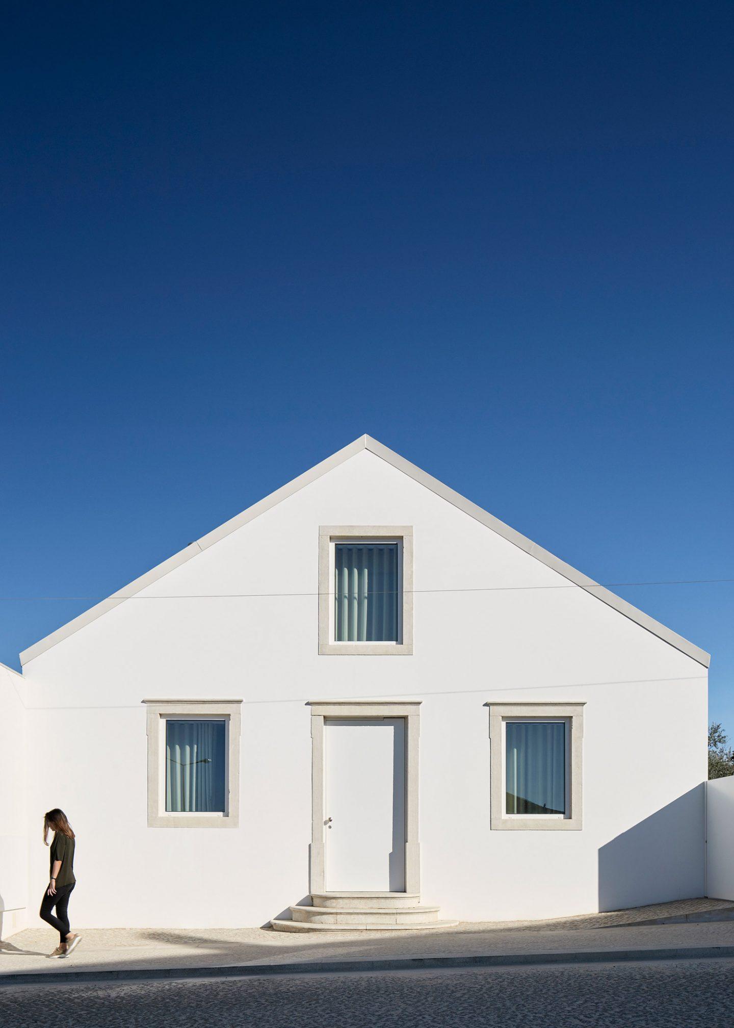 iGNANT-Architecture-Ansiao-House-Bruno-Dias-Arquitectura-21