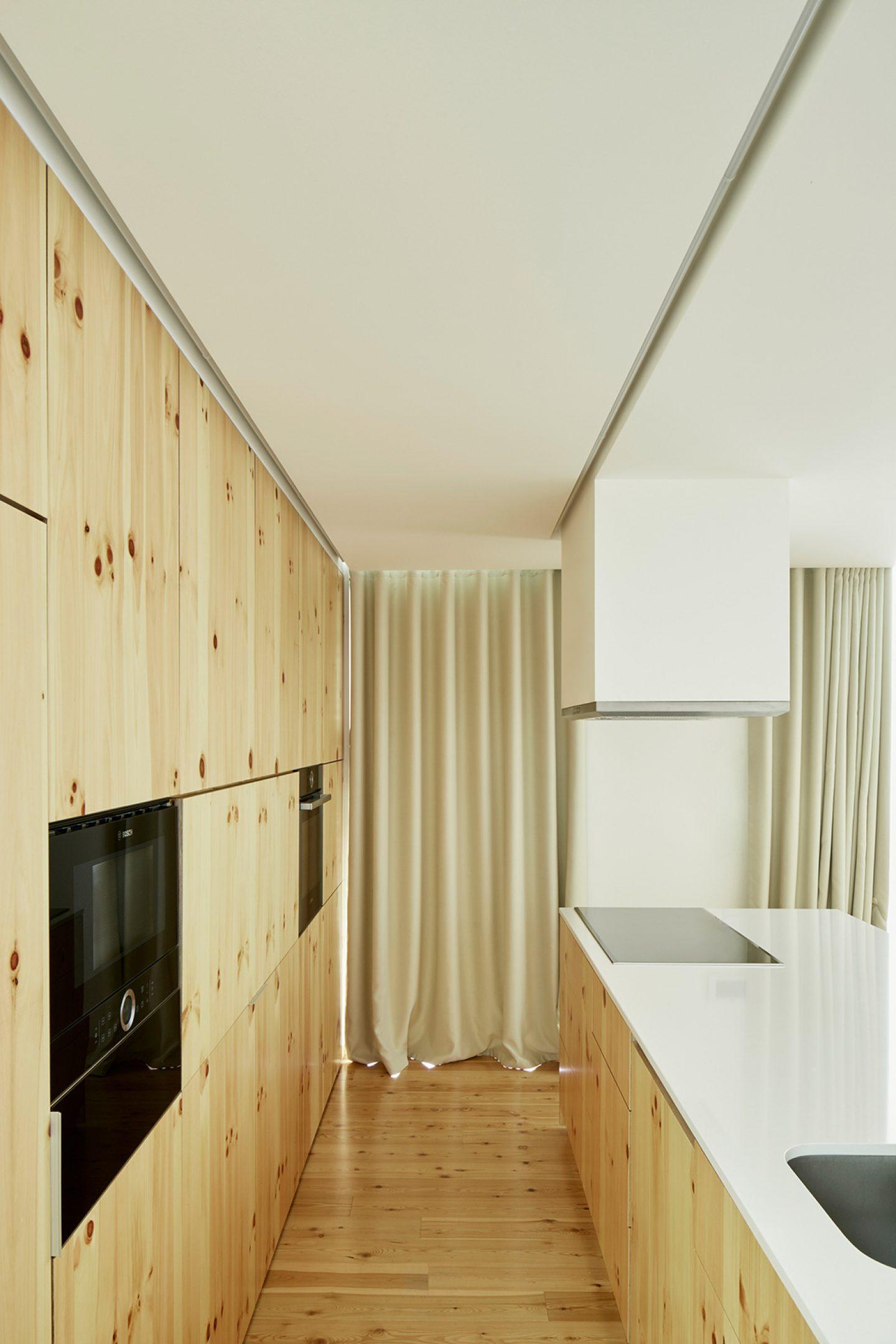 iGNANT-Architecture-Ansiao-House-Bruno-Dias-Arquitectura-9