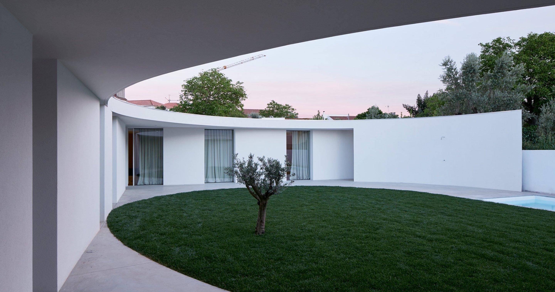 iGNANT-Architecture-Ansiao-House-Bruno-Dias-Arquitectura-p