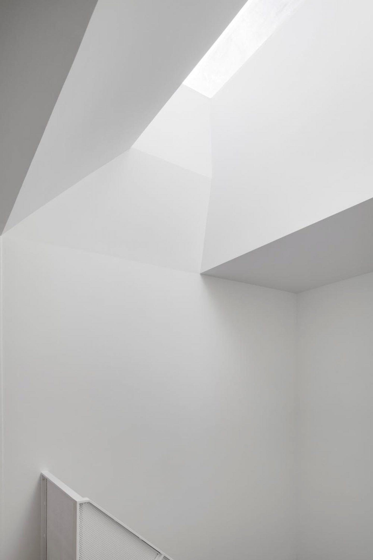 iGNANT-Architecture-De-La-Roche-Residence-Nature-Humaine-12