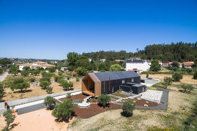 iGNANT-Architecture-Filipe-Saraiva-Ourem-House-10