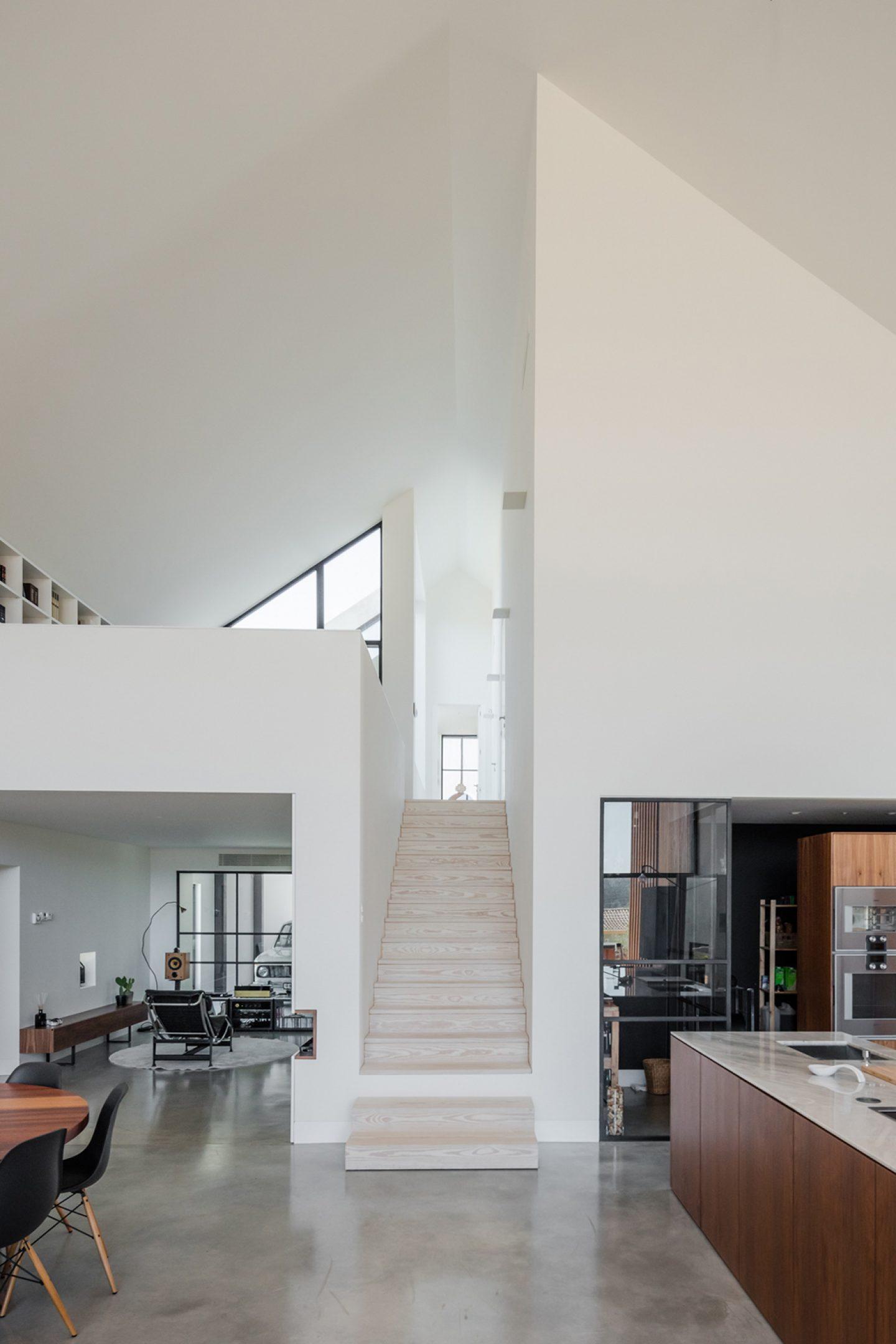 iGNANT-Architecture-Filipe-Saraiva-Ourem-House-13