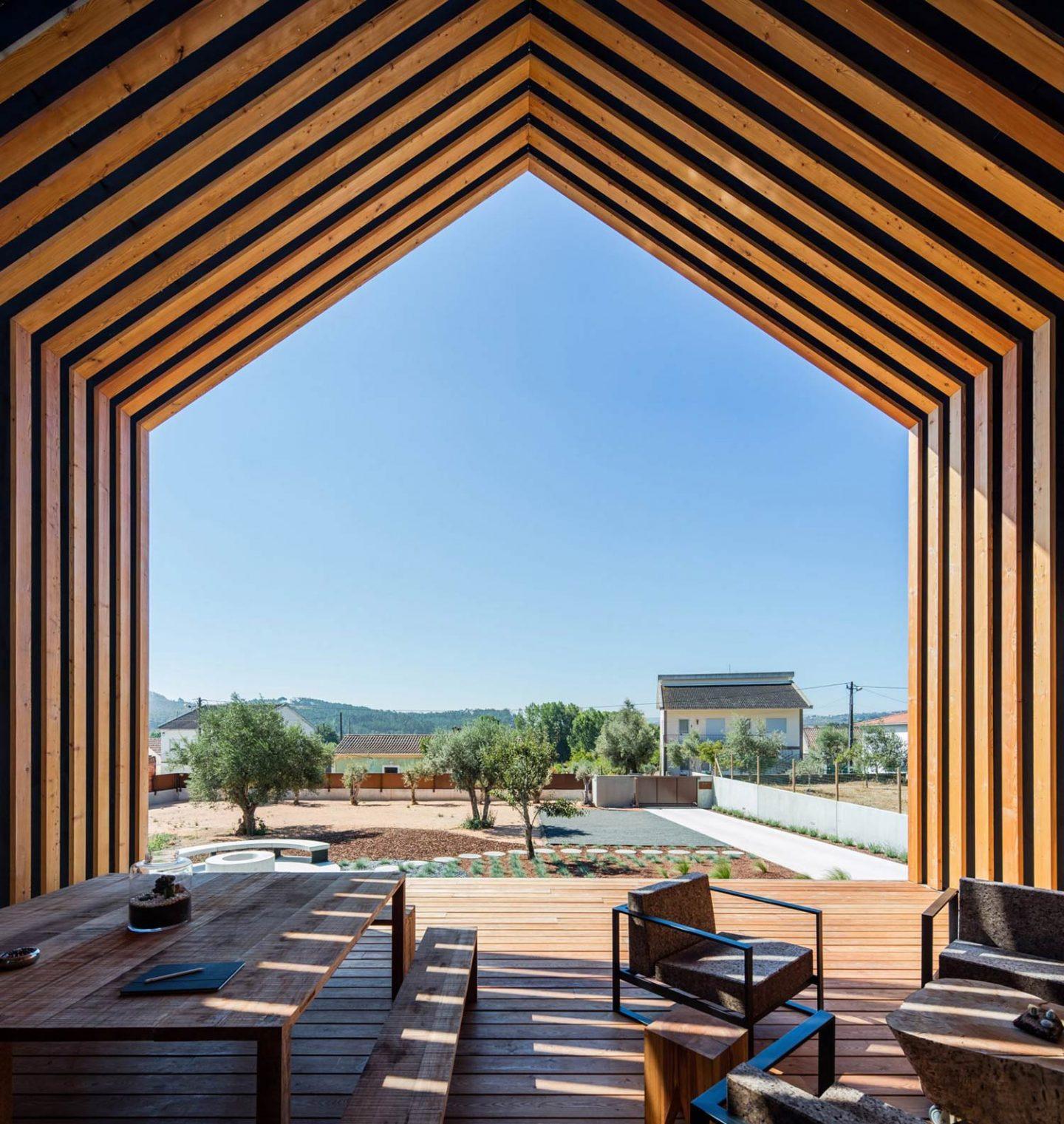 iGNANT-Architecture-Filipe-Saraiva-Ourem-House-4