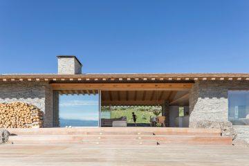 iGNANT-Architecture-McLean-Quinlan-Stone-House-003