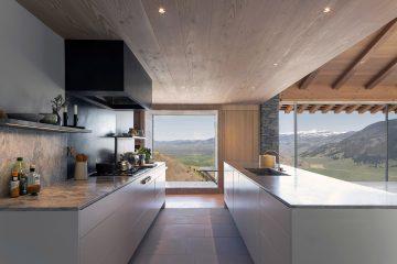 iGNANT-Architecture-McLean-Quinlan-Stone-House-008