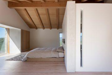 iGNANT-Architecture-McLean-Quinlan-Stone-House-009