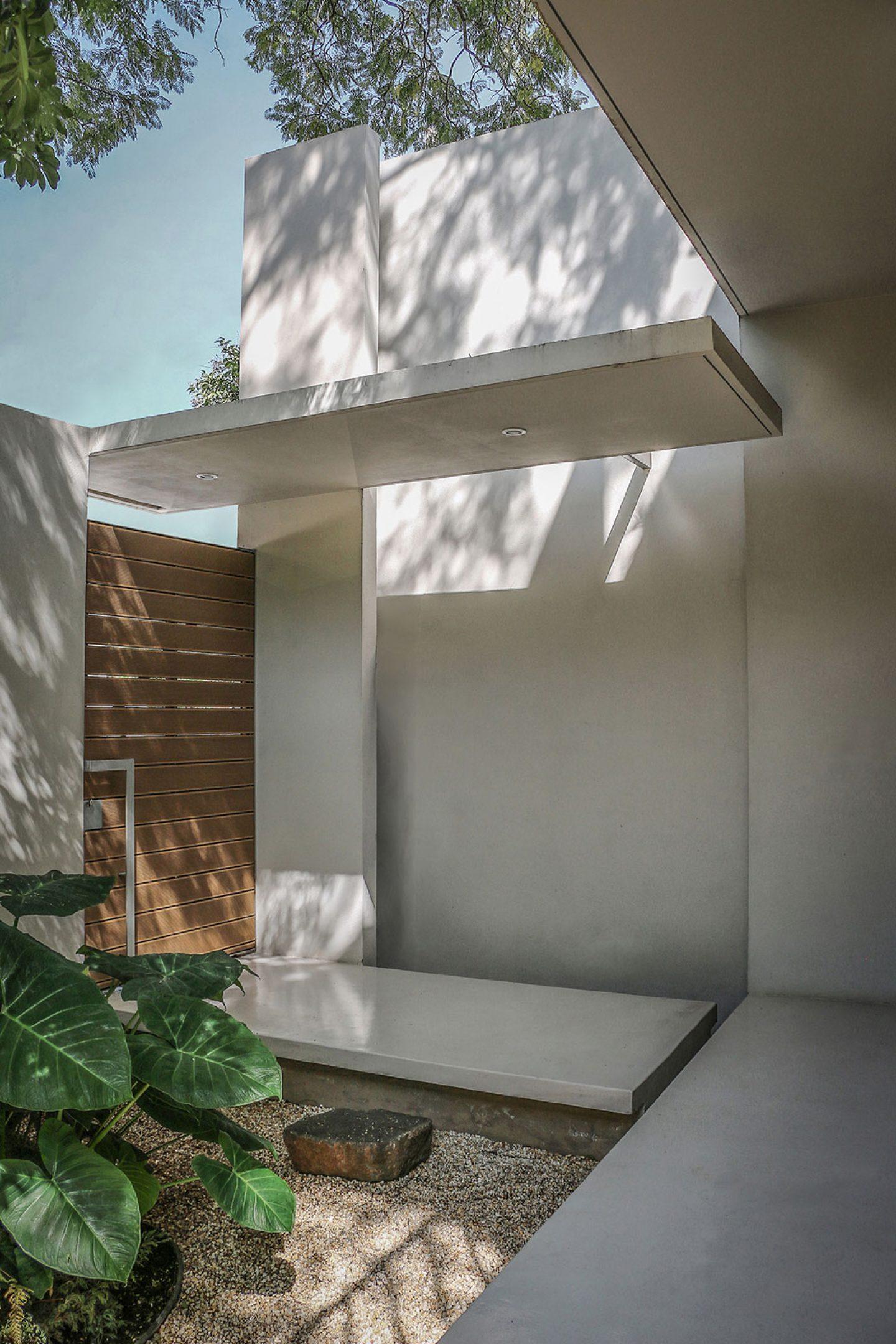 iGNANT-Architecture-Nirau-House-PAUL-CREMOUX-Studio-7
