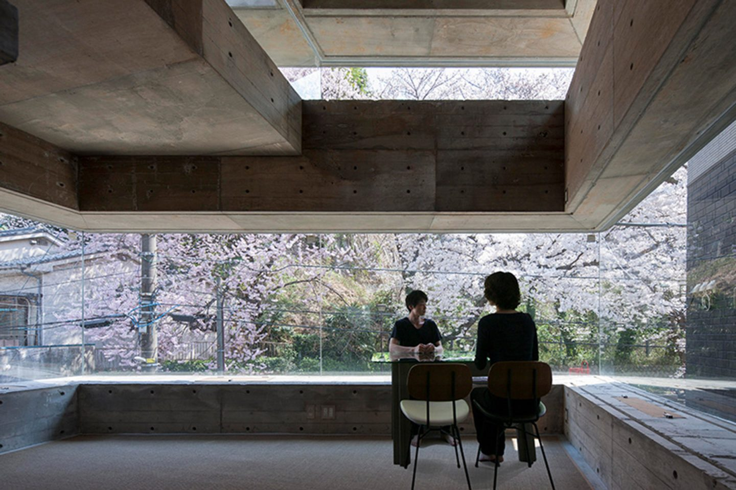 iGNANT-Architecture-Shinsuke-Fuji-Architects-Oriel-Window-House-Office-Japan-003