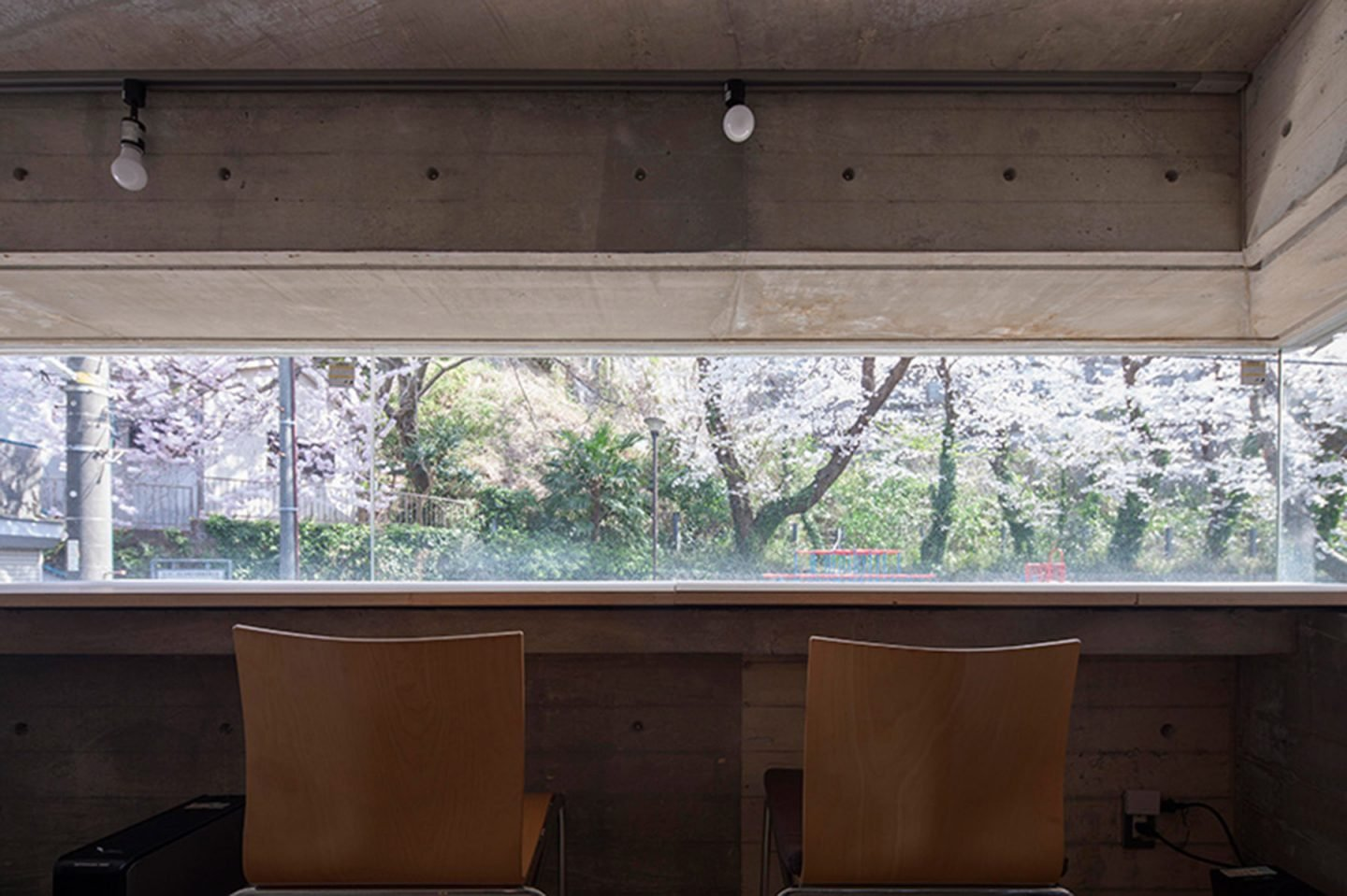 iGNANT-Architecture-Shinsuke-Fuji-Architects-Oriel-Window-House-Office-Japan-005