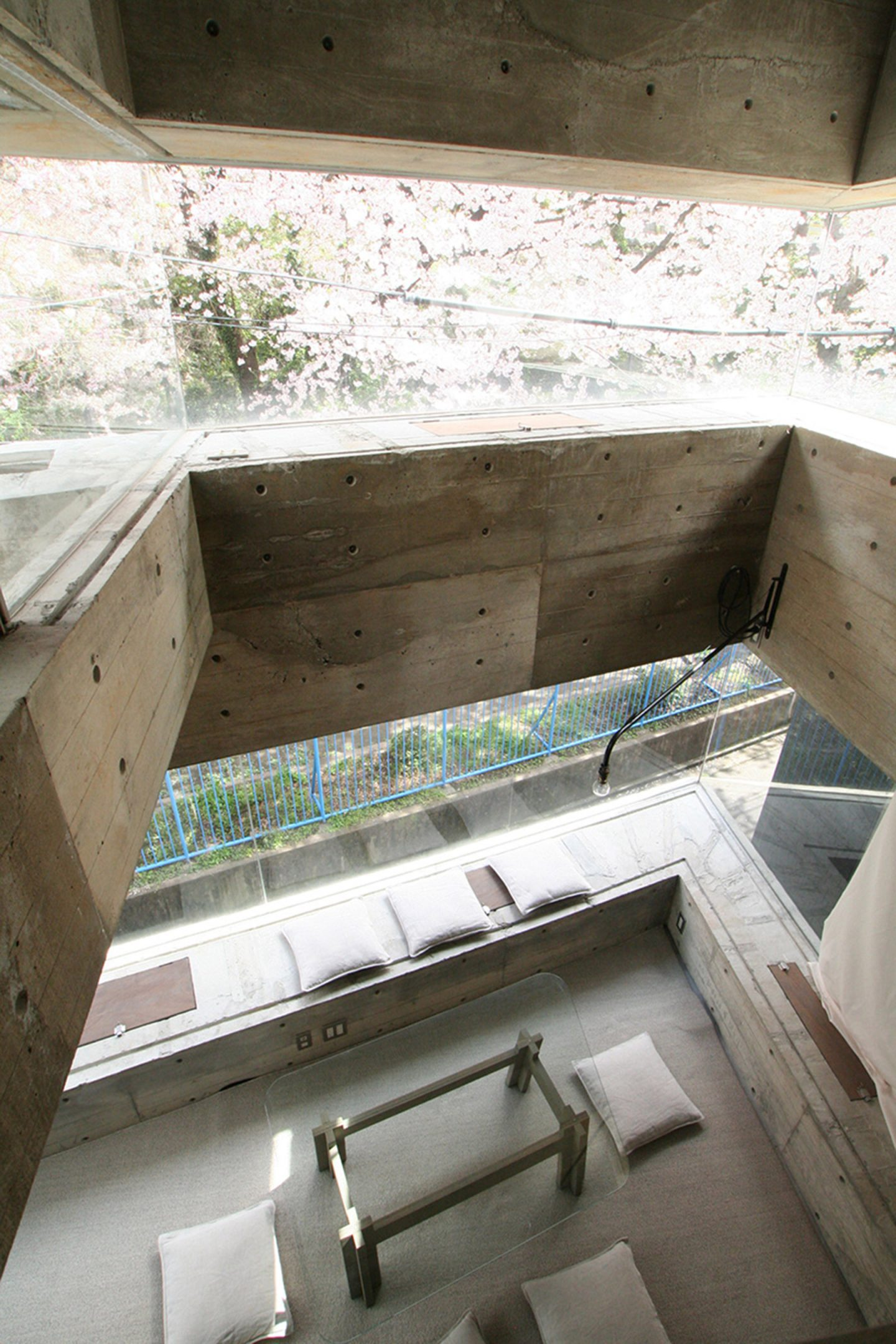 iGNANT-Architecture-Shinsuke-Fuji-Architects-Oriel-Window-House-Office-Japan-007