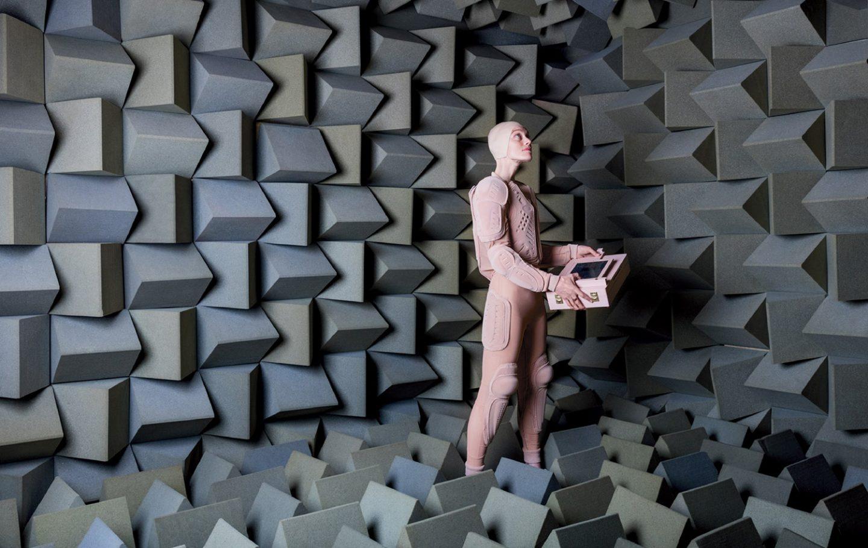 iGNANT-Art-Lucy-McRae-Insitute-Of-Isolation-07#